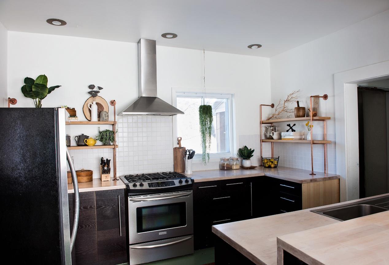 Hillside Kitchen. 6 / 8