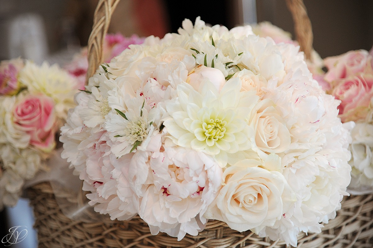 photo of flowers by fleurtacious designs, jessica painter photography