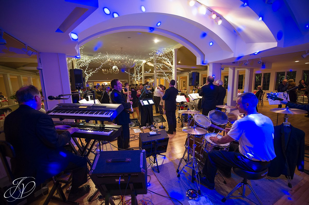 high definition live band wedding band, wedding band photos, live wedding music photos, live band at reception photo