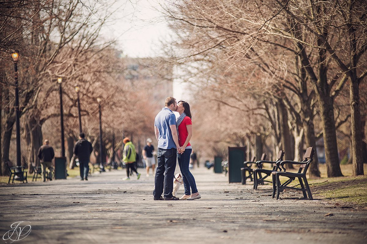 young couple kissing in washington park, cute coupel in washington park, engagement photos at washington park albany, albany engagement photography, downtown engagement session, albany portrait photography, engagement session in washington park