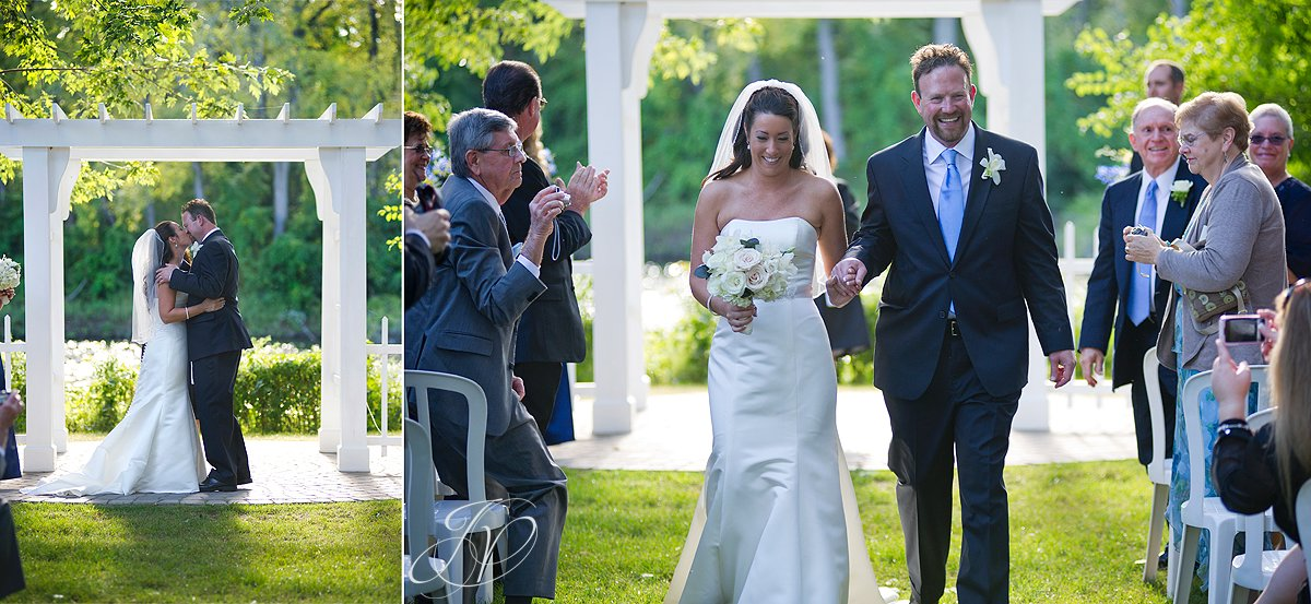 just married photo, wedding ceremony photo, riverstone manor, schenectady wedding photographer