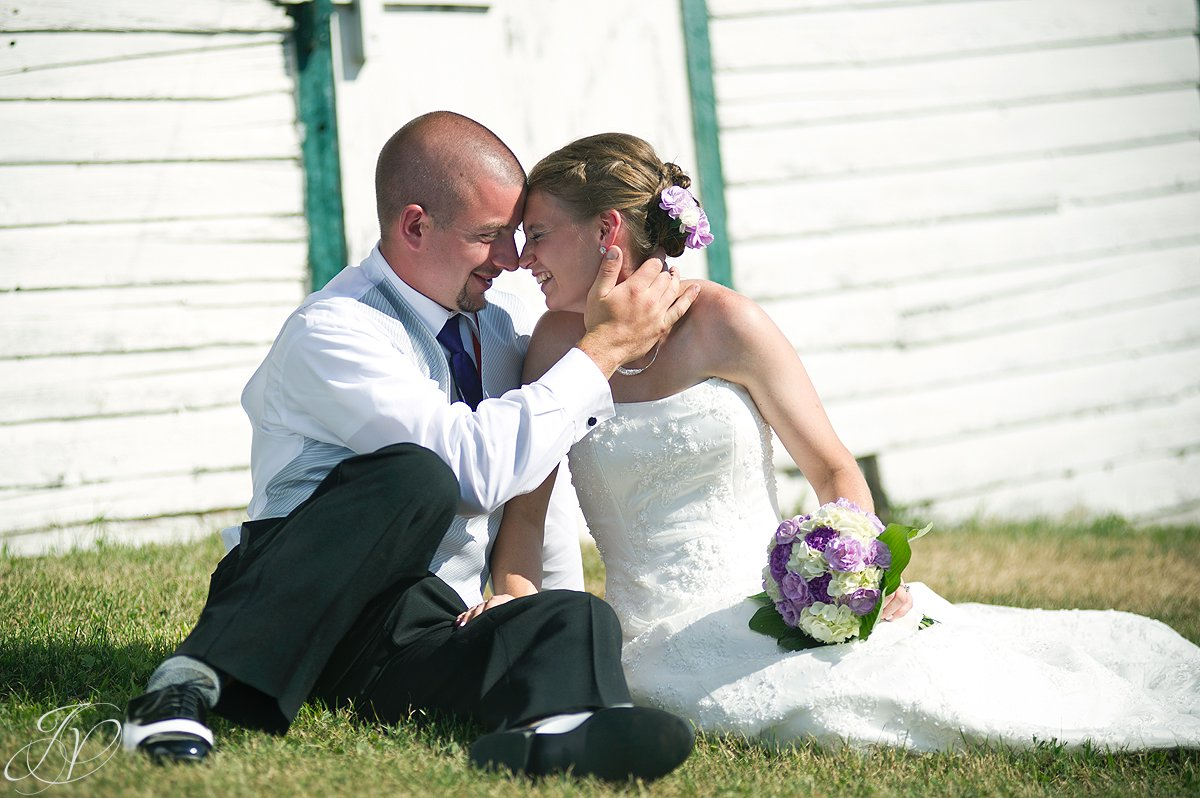 Saratoga Wedding Photographer, upstate wedding photographer, outdoor wedding photo, bride and groom photo