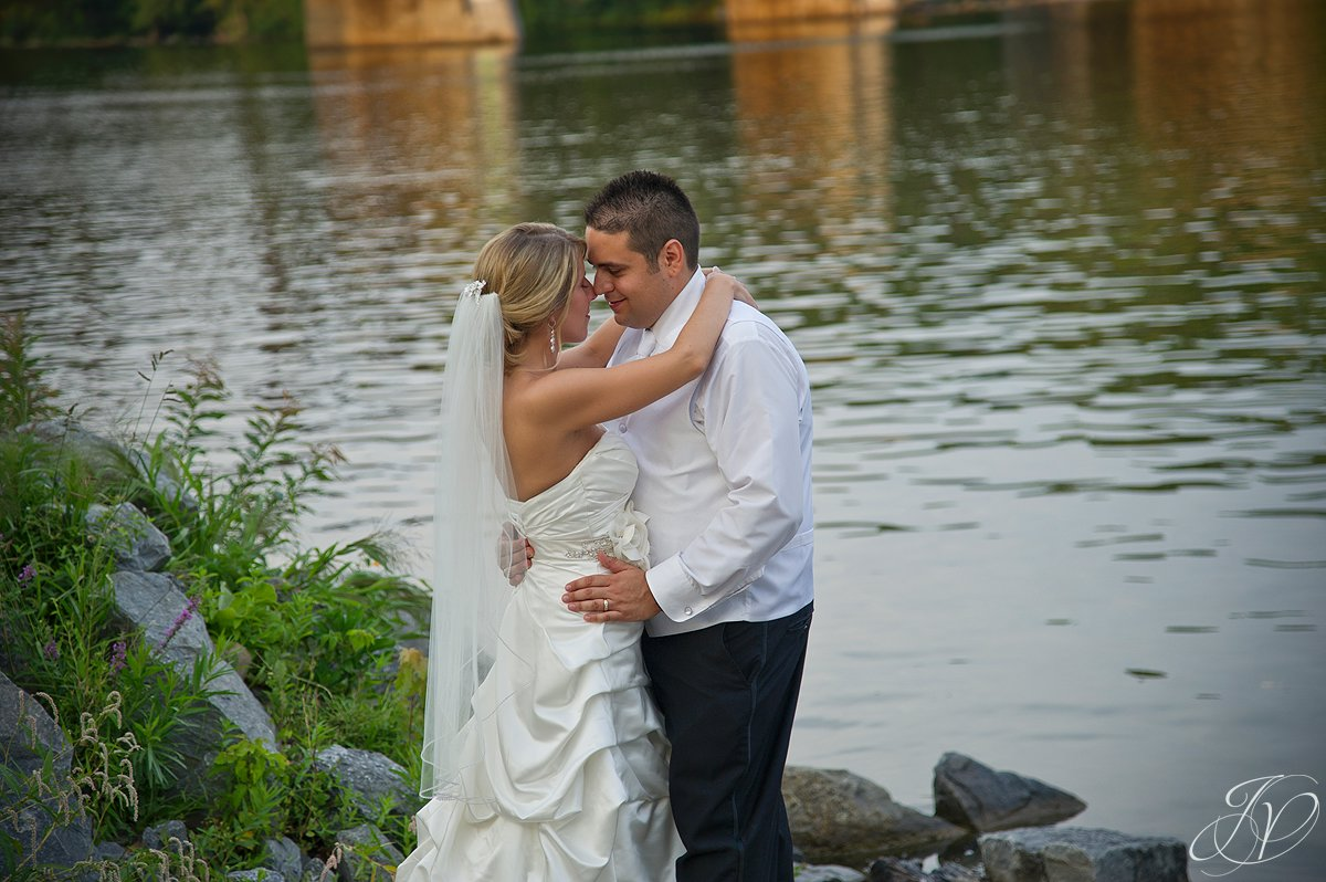 bride and groom water, Waters Edge Lighthouse, schenectady rose garden, Schenectady Wedding Photographer,