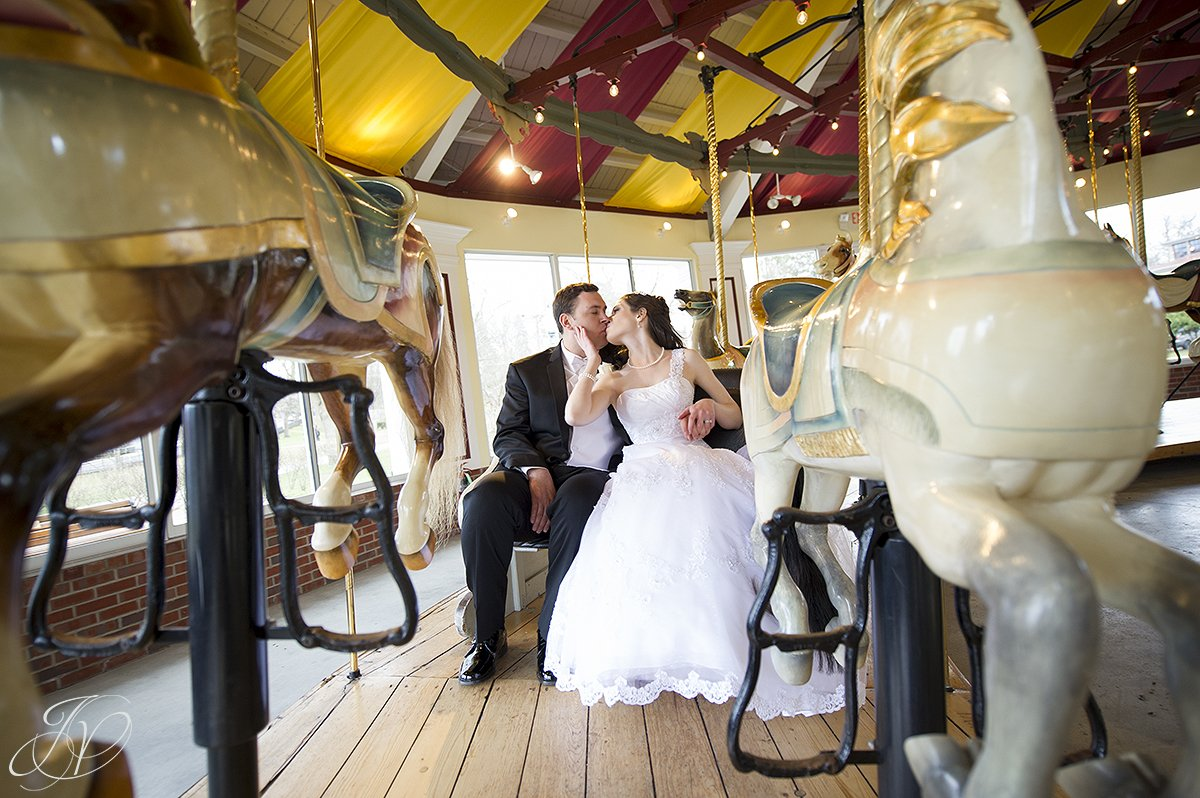 congress in park carousel, bride and groom on carousel photo, bride and groom with hoarse photo, Saratoga Wedding Photographer, The Canfield Casino wedding