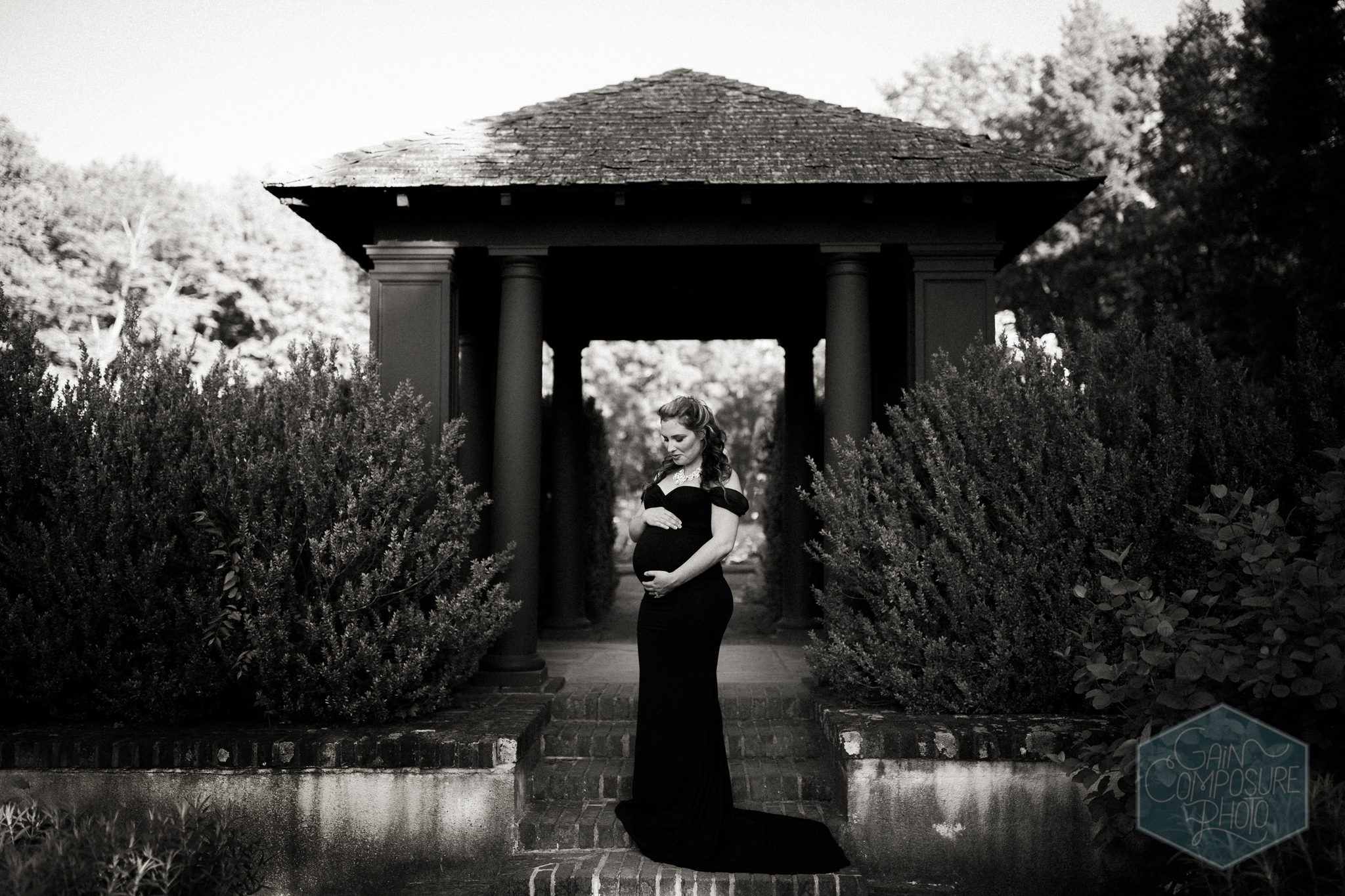 Classy and timeless maternity session in Winston Salem. © Gain Composure Photography, winston salem photographer