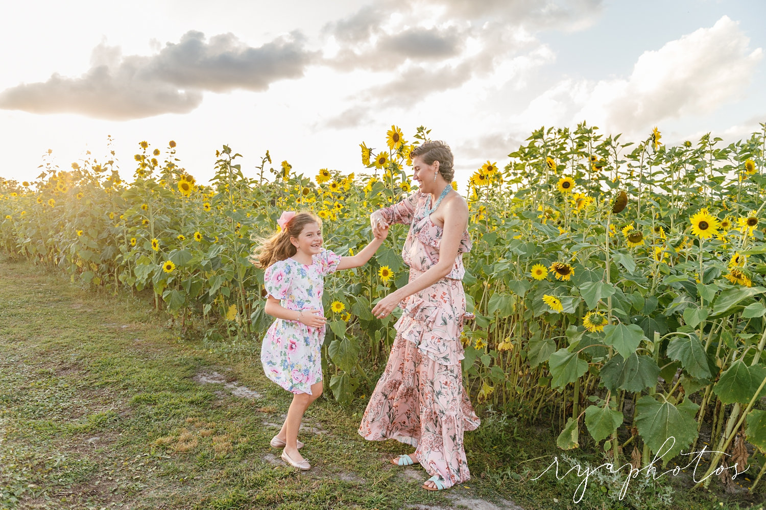 mom twirling daughter, twirling photos, twirling pictures, sunflowers, Rya Duncklee Photos